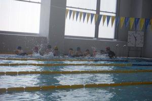 初級水泳教室・゜゜・。・゜゜・。へ(* ´ー`)_